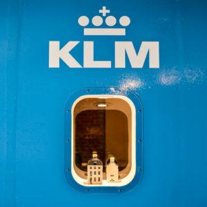 Tentoonstelling Sterke Verhalen, de jeneverhuisjes van de KLM, Nationaal Jenevermuseum Schiedam